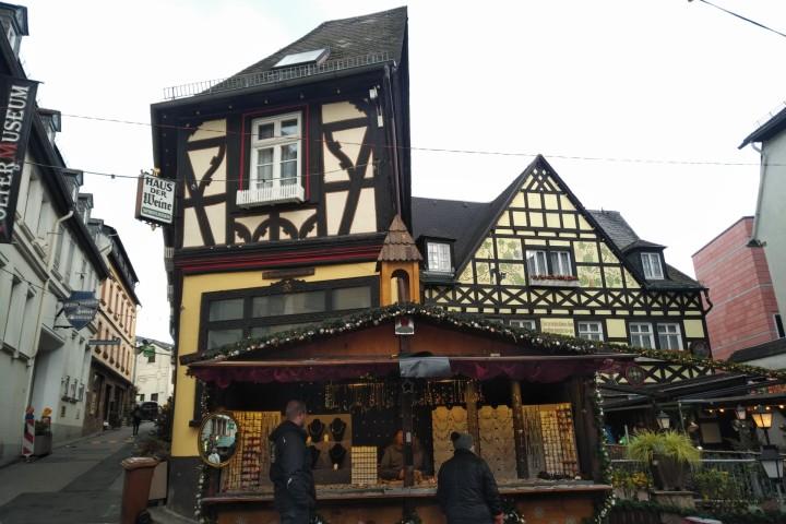 呂德斯海姆 - 萊茵河畔小鎮
