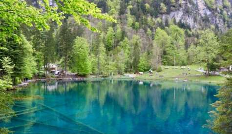 藍湖 Blausee (藍湖自然公園).旅遊書沒有介紹的絕美隱世風光.瑞士自由行